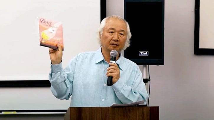 Ilchi Lee with Bird of the Soul book at Yavapai College