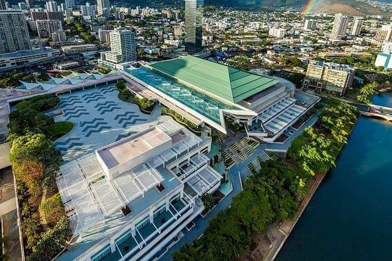Hawaii Convention Center for Ilchi Lee's Book Talk