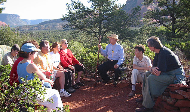 Ilchi Lee speaking with students in the beauty of Sedona, Arizona